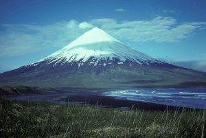 Godinanutshell 800px-Mount_Cleveland_volcano